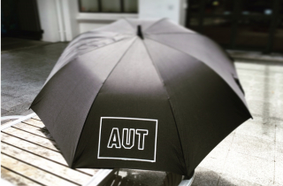 Image of Umbrella Aut Merchandise